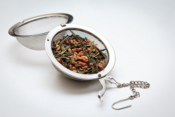 Genmaicha Tea in Infuser