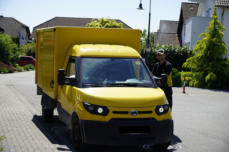 delivery truck for amazon franchise
